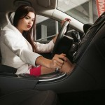 18-(Annoying)-Ways-you-Probably-Drive-Like-a-Girl-MainPhoto