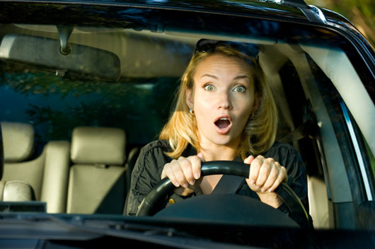 18-(annoying)-Ways-You-Probably-Drive-Like-a-Girl-photo7