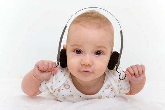 Tuning-Up-15-Reasons-why-Music-should-Begin-and-End-your-Baby's-Day-main-photo