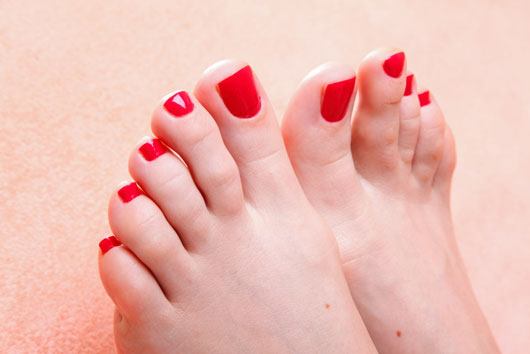 Footloose-15-Ways-to-Keep-Your-Tootsies-Pretty-All-Summer-Long-photo9