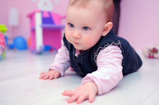 Tiny-Travelers-9-Different-Crawl-Styles-and-what-They-Say-About-Your-Baby-photo2