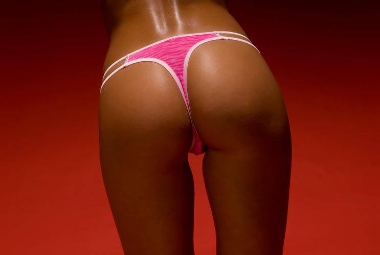 Wrong-for-a-Thong--10-Ways-to-Tell-if-your-Booty-Makes-the-Cut-MainPhoto