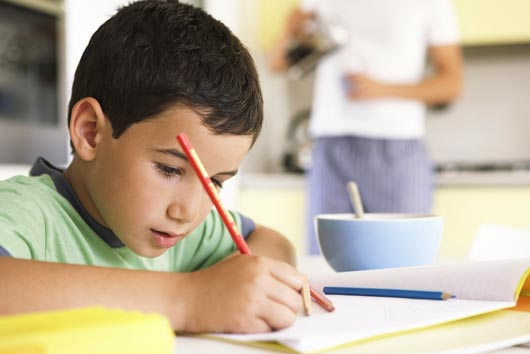 Homework-Affairs-10-Ways-to-Help-Your-Kids-Strategize-their-Workload-MainPhoto