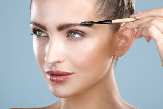 Shape-Shifting-10-Ways-to-Up-Your-Eyebrow-Game-Right-Now-photo7