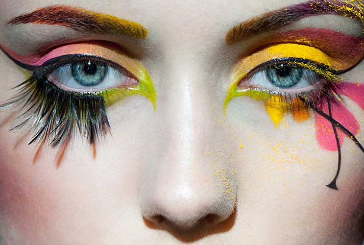 The-Glitterati-10-Awesome-Ways-to-Add-Flair-to-your-Eye-Makeup-MainPhoto