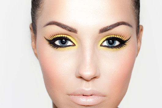 The-Glitterati-10-Awesome-Ways-to-Add-Flair-to-your-Eye-Makeup-photo5