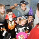 Trick-the-Treat-15-Healthy-'Treats'-to-Give-out-on-Halloween-MainPhoto