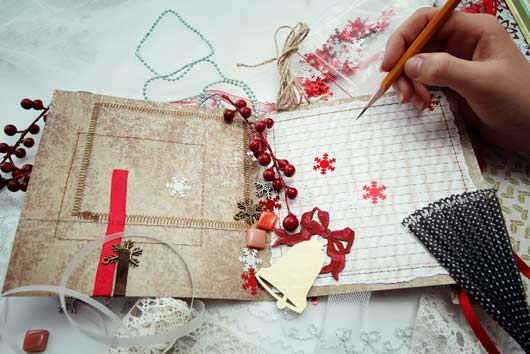 Handmade-Holidays-12-Reasons-to-Craft-Your-Own-Cards-This-Year-MainPhoto