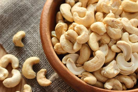 Nuts-about-Truth-14-Reasons-Why-Cashews-Always-Win-MainPhoto