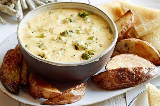 Hearty-Christmas-Party-Roasted-Broccoli-and-Cheddar-Cheese-Dip-MainPhoto