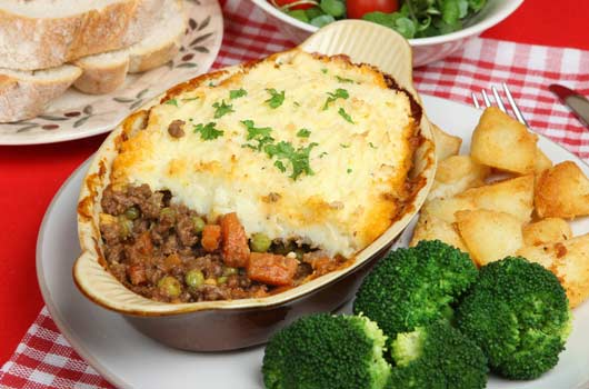 Hearty-Party-10-Easy-Winter-Casserole-Recipes-to-Feed-a-Festive-Lot-Photo5