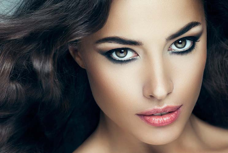 New-You-15-Out-of-the-Box-Makeup-Ideas-to-Renew-Your-Everyday-Look-MainPhoto