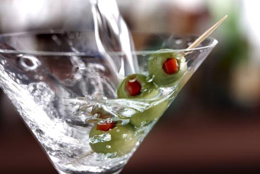 Boozy-Season-10-Winter-Cocktail-Ideas-to-Keep-You-Warm-photo6