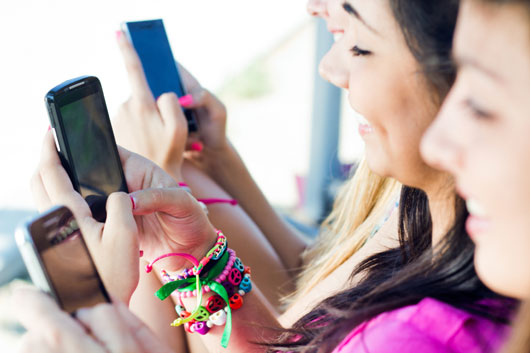 Dangers-of-Texting-for-Teens-and-Tweens-mainphoto