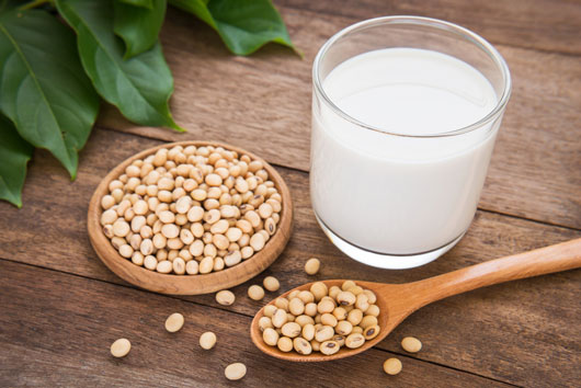 Soy,-Almond-or-Rice-Which-Milk-Substitute-is-Best-for-your-Family-photo1