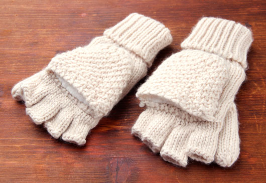 Glove-Love-How-to-Wear-Winter-Gloves-with-Style-photo2