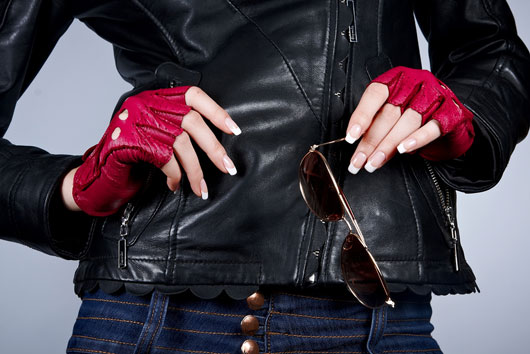 Glove-Love-How-to-Wear-Winter-Gloves-with-Style-photo3