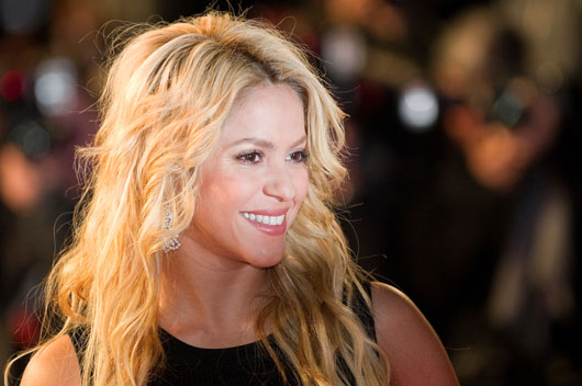 Queen-Files-10-Reasons-why-the-World-Needs-Another-Shakira-Biography-photo9