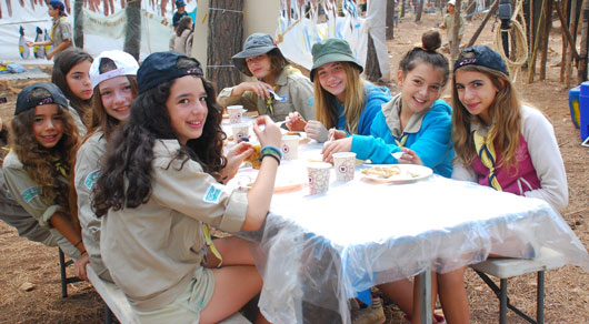 15-Reasons-Why-Girl-Scouts-Will-Always-be-Awesome-photo12