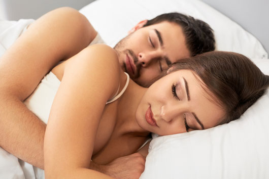 Relationship-Advice-8-Non-Sexual-Ways-to-Build-Intimacy-in-Bed-photo2
