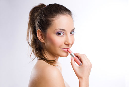 Lip-Service-Your-Spring-Color-Trends-Guide-for-Perfect-Puckers-Photo5