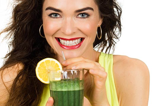 Your-Go-To-List-of-Juicing-Recipes-for-a-Flat-Belly-Summer-MainPhoto