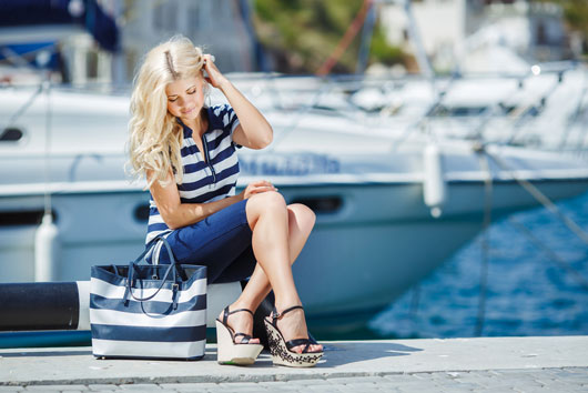 Sail-la-Vie-Your-Summer-Clothes-Guide-to-Looking-Hot-on-a-Boat-Photo2