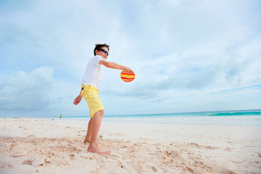 Sun-Fun-Creative-Activities-to-Play-at-the-Beach-with-Kids-Photo4