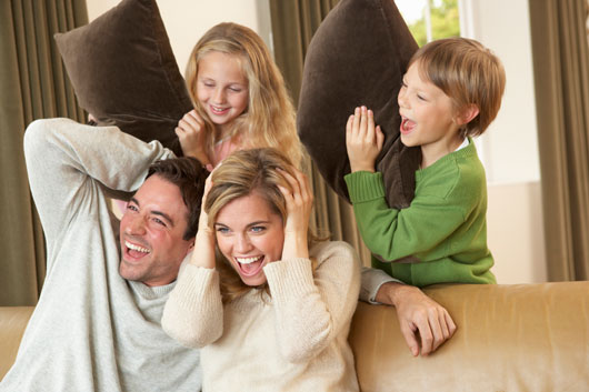 7-Reasons-why-Laughter-Therapy-as-a-Family-is-Emotional-Glue-Photo4