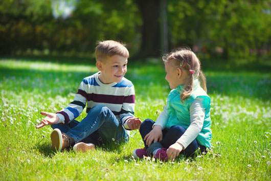 8-Reasons-to-Teach-Your-Kids-About-the-Power-of-Eye-Contact-Photo2