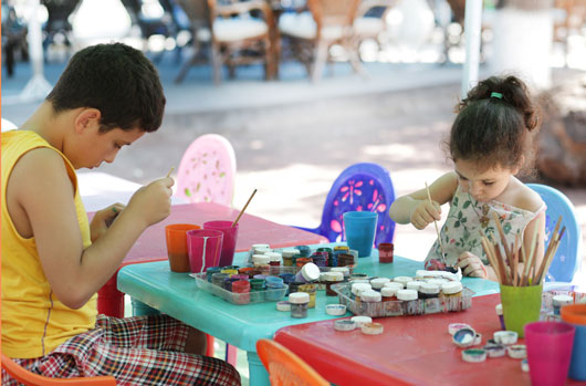 Parks-&-Recreation-10-New-Family-Activities-to-Do-in-a-Park-Photo2