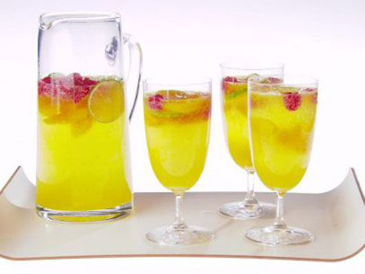 Summer-Elixir-8-Sangria-Recipe-Ideas-to-Sip-on-All-Season-Photo6
