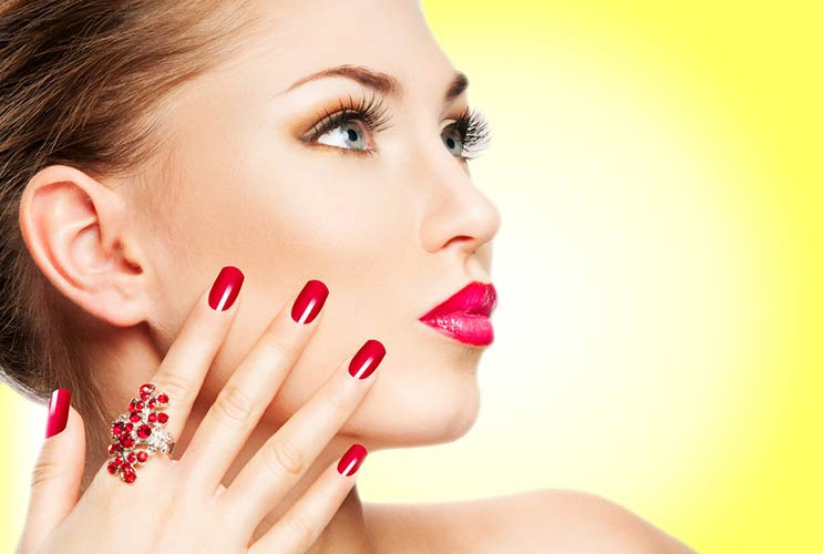 The-Gel-Manicure-Pros-and-Cons-MainPhoto