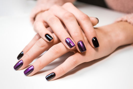 The-Gel-Manicure-(aka-Shellac-Nails)-Pros-&-Cons-Photo1