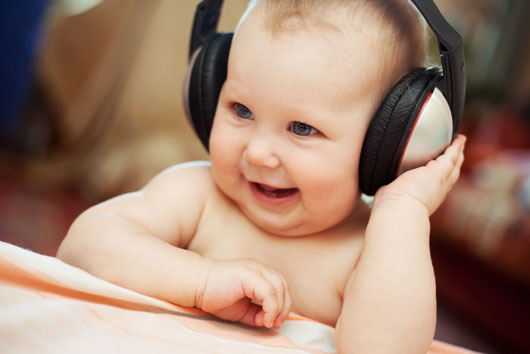 Baby-Music-Essentials-15-Songs-to-Play-for-Newborn-Babies-Photo2