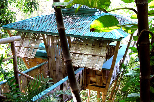 Treehouse-Travel-10-Cool-Tree-Retreats-for-the-Unconventional-Vacationer-Photo6