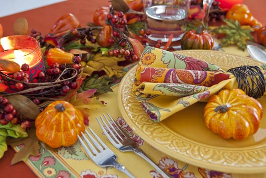 5-Creative-Ways-to-Set-a-Picture-Perfect-Holiday-Table-MainPhoto