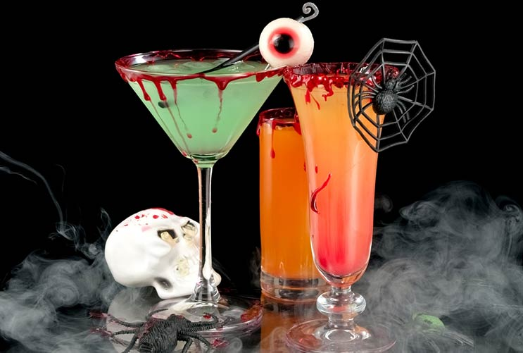 8 witch worthy halloween cocktail ideas mainphoto
