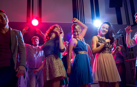 Wrangling-Youth-10-Reasons-to-Go-to-a-Dance-Club-at-Least-Once-a-Year-Photo9