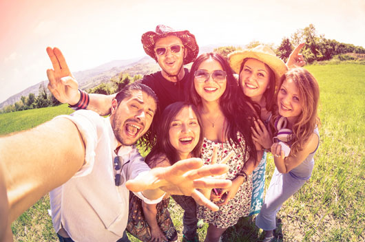 10-Tips-&-Tricks-for-Mastering-the-Self-Timed-Group-Shot-Photo7