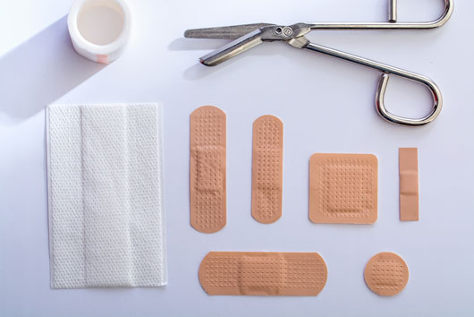 First-Aid-10-Things-to-Always-Have-in-Your-Medicine-Cabinets-Photo4