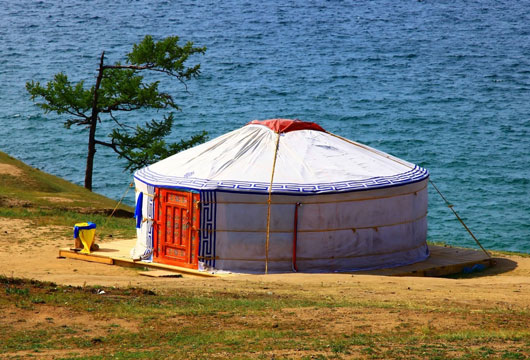 Yurt-Gonna-Love-It!-10-Awesome-Facts-about-Yurt-Homes-Photo9