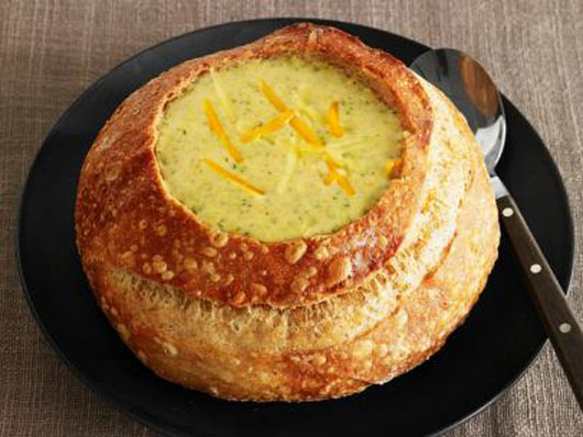 How-to-Wow-Your-Guests-with-Bread-Bowl-Soups-Photo3