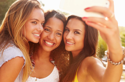 True-Friends-7-Tips-on-Becoming-Your-Squad's-Number-One-Girl-Photo07
