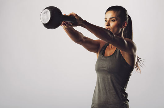 10-Reasons-to-Bring-a-Kettlebell-into-Your-Fitness-Routine-Photo06