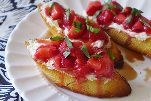 10-Strawberry-Recipes-to-Tease-in-the-Spring-Season-Photo6