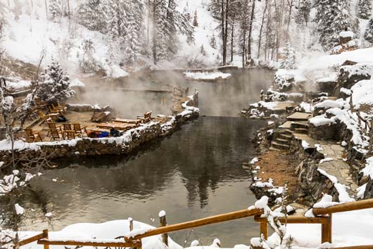 8-Hot-Springs-Resort-Destinations-You-Have-to-Visit-Photo1