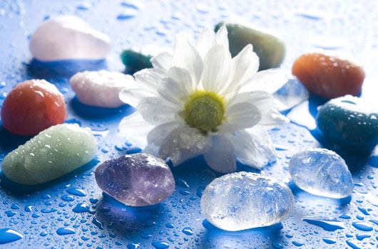 The-Newbie-Guide-to-Using-Healing-Crystals-Photo01