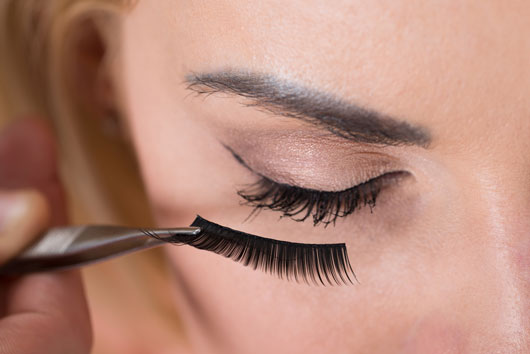 When-Is-It-Actually-Okay-to-Wear-Eyelash-Extensions-Photo3