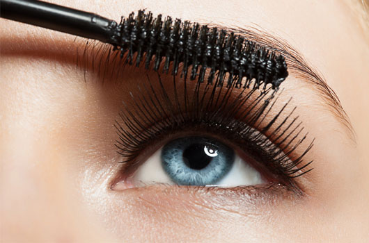 5-Best-Mascaras-That-Won't-Streak-Your-Cheeks-Photo4